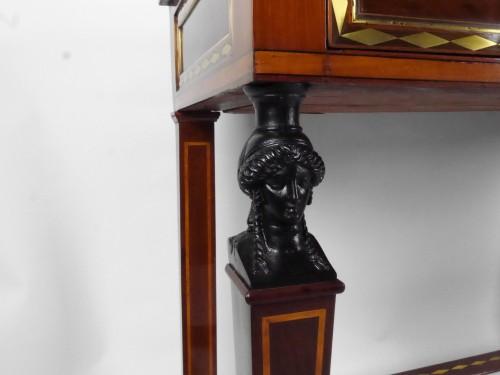 18th century - A Directoire console in mahogany et citronnier, 18th century