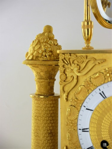 A gilt bronze pendulum clock, beginning of the 19th century - Restauration - Charles X