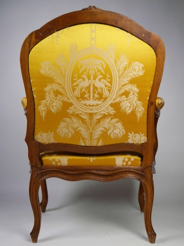 Louis XV - A Louis XV frame armchair by Tilliard, 18th century