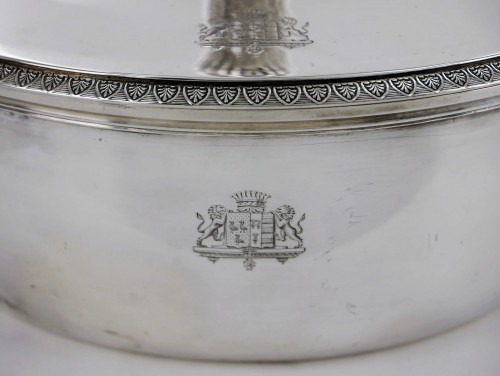 19th century - Pair of silver vegetable dishes, Charles X, 19th century