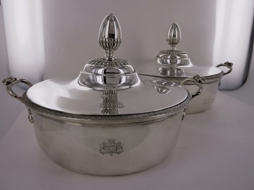 Pair of silver vegetable dishes, Charles X, 19th century - Empire
