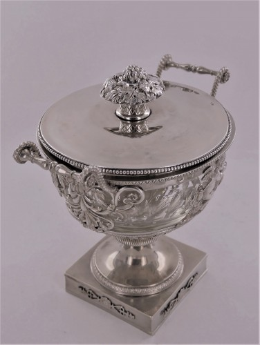 An Empire silver drageoir, beginning of the 19th century - Empire