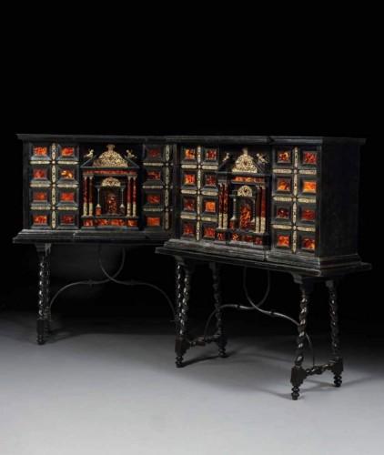 Antiquités - Pair of ormolu-mounted tortoiseshell cabinets