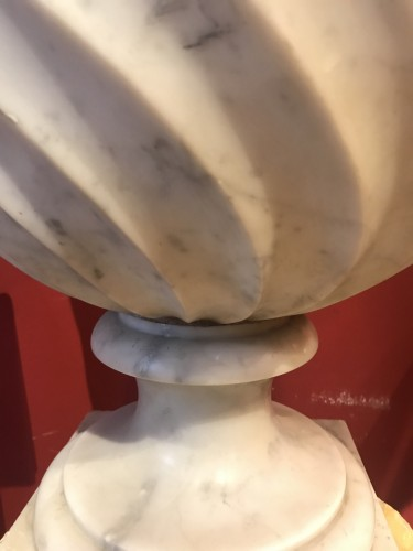 Pair of Carrara marble vases - Decorative Objects Style