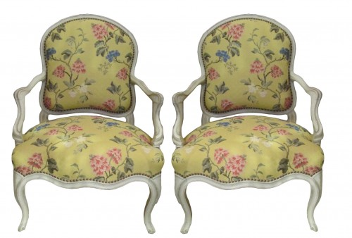 "Pair of wide Louis XV fauteuils said ""à la Reine"""