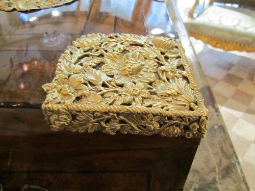 Decorative Objects  - A louis xiv casked