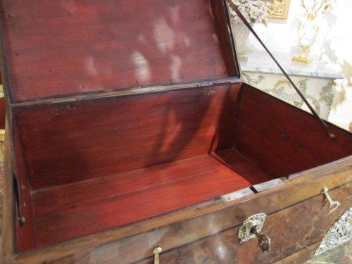 Antiquités - A louis xiv casked