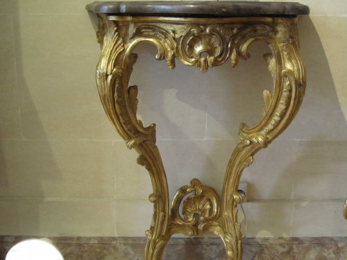 Louis XV - A pair of Louis XV giltwood console tables