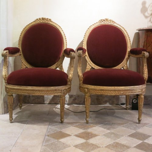 A pair gilt wood chairs Transition by Nicolas Parmentier - Seating Style Transition
