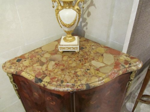 Furniture  - A pair of Louis XV encoignures