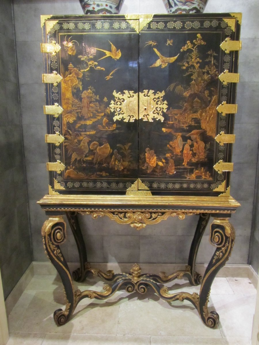 European Lacquer Cabinet On Stand 18th Century Ref 51856