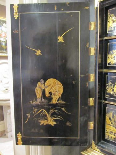 18th century - European lacquer cabinet-on-stand 18th century