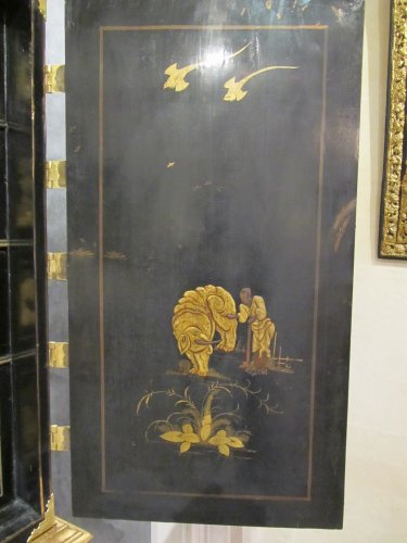 European lacquer cabinet-on-stand 18th century -