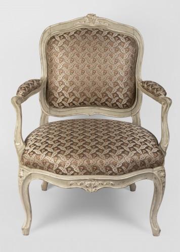 Seating  - A pair of Louis XV painted fauteuils à la Reine