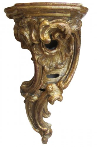 A pair of Louis XV  giltwood wall brackets