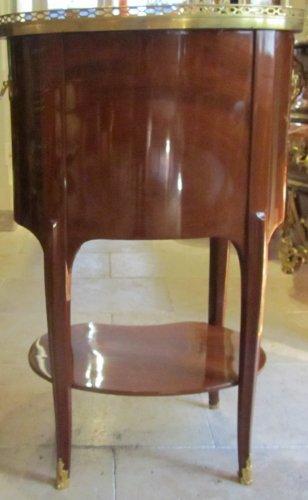 A Transitional Louis XV- Louis XVI table stamped J-F LELEU - Furniture Style Transition