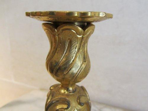 18th century - A pairof Regence ormolu clandlesticks