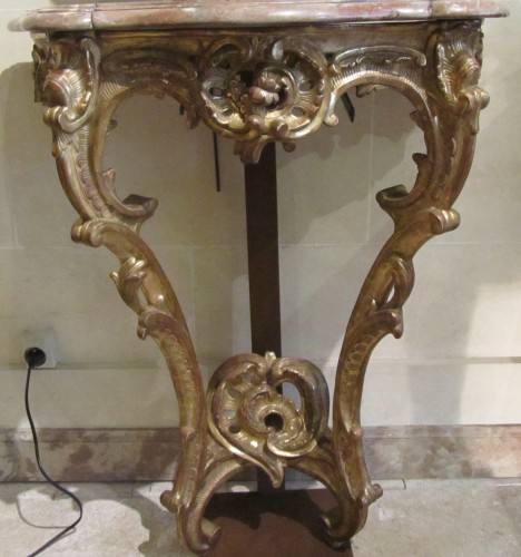 A pair of  Louis XV gilt-wood consoles - Furniture Style Louis XV