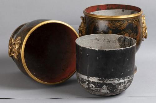 Antiquités - A pair of Regence tôle laquered bottle coolers