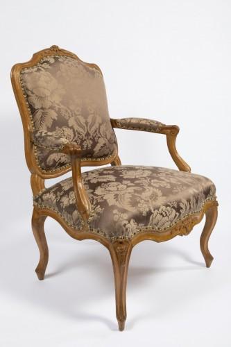 A set of four Louis XV  fauteuils à la Reine stamped Henri Amand - Seating Style Louis XV