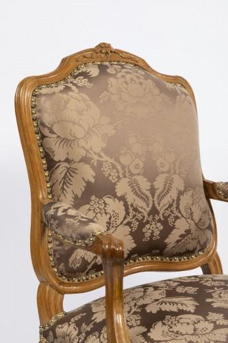 Seating  - A set of four Louis XV  fauteuils à la Reine stamped Henri Amand