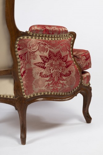 18th century - A Louis XV beechwood Bergere