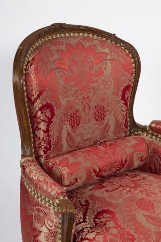 Antiquités - A Louis XV beechwood Bergere