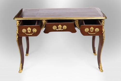 Antiquités - A Regence ormolu-mounted Amaranth Bureau Plat