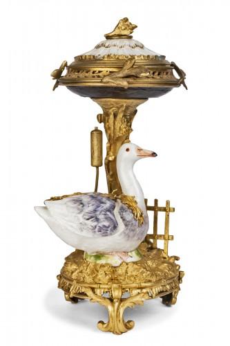Pot-Pourri ,porcelaine et bronze , XVIIIème Siècle .