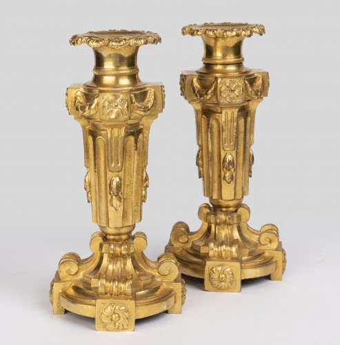 A pair of Louis XVI ormolu candelabra - Lighting Style Louis XVI