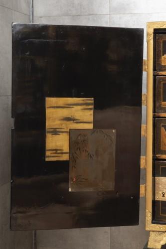 A Japon ormolu Lacquered Cabinet Japan Edo Period 17Th Century -