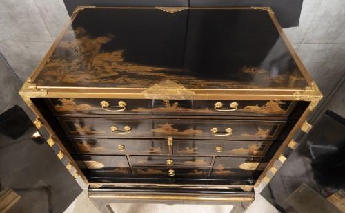 Antiquités - A Japon ormolu Lacquered Cabinet Japan Edo Period 17Th Century