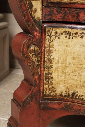 Antiquités - A Rarely  North Italian Lacca-Povera Commode early XVIIIéme Century