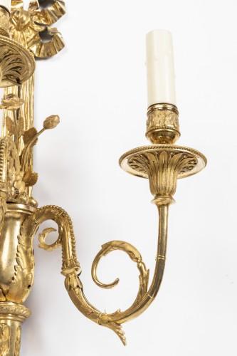 A pair of Louis XVI gilt -bronze wall lights - Louis XVI