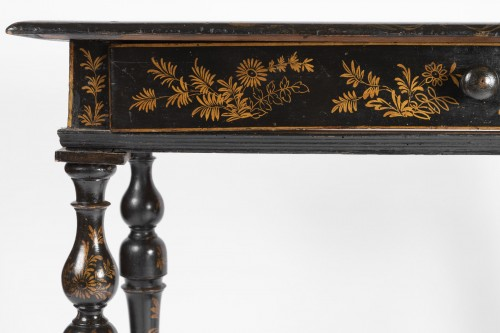 Furniture  -  A Rare Louis XIV Table Epoque Louis XIV black lacquer
