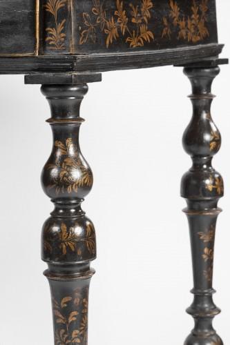 A Rare Louis XIV Table Epoque Louis XIV black lacquer  -