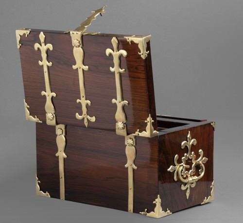 Antiquités - A Louis XIV gilt bronze mounted Rosewood casket
