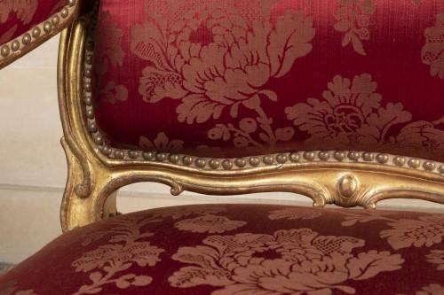 A fine Pair of Louis XV giltwood Fauteuils à La Reine - Louis XV