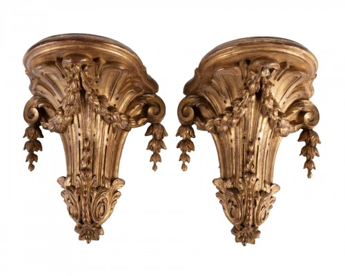 A pair of giltwood Wall Brackets