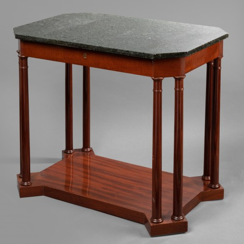 An Empire Mahogany Table attributed to Jacob-Desmalter - Furniture Style Empire