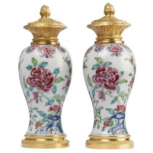 Pair of 18th century Chinese porcelain vases