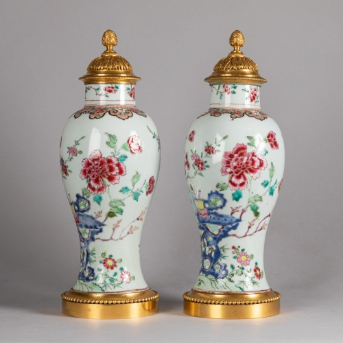 Pair of porcelain vases China, Qianlong period - Porcelain & Faience Style Transition