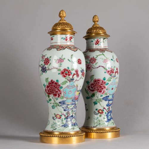 18th century - Pair of porcelain vases China, Qianlong period