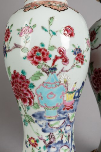 Transition - Pair of porcelain vases China, Qianlong period