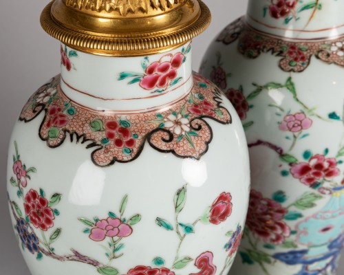 Antiquités - Pair of porcelain vases China, Qianlong period