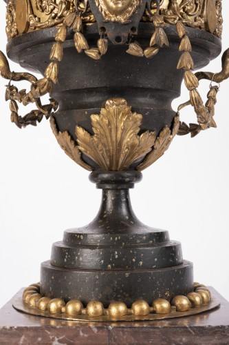 18th century ornamental vase - Decorative Objects Style Louis XVI