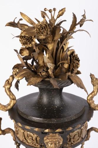 Antiquités - 18th century ornamental vase