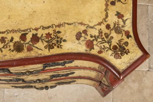 A polychrome-decorated Lacca Povera Commode 18TH century -