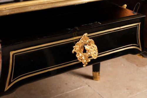 A Regence ormolu-mounted and brass-strung Bureau Plat - French Regence