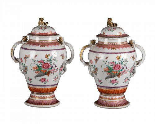 A Pair of Chinese porcelain Covered Vases